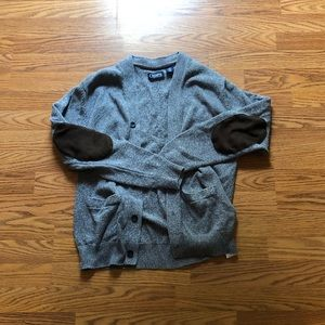 Men's gray sweater